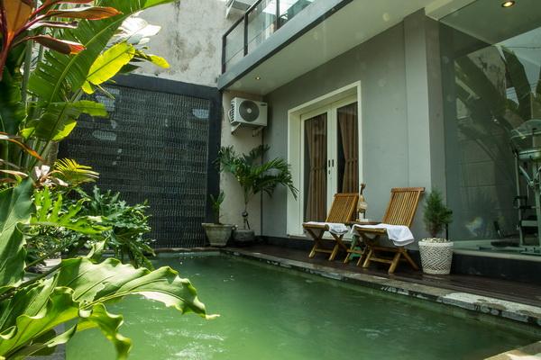 Villa Di Seminyak Dengan Kolam Renang